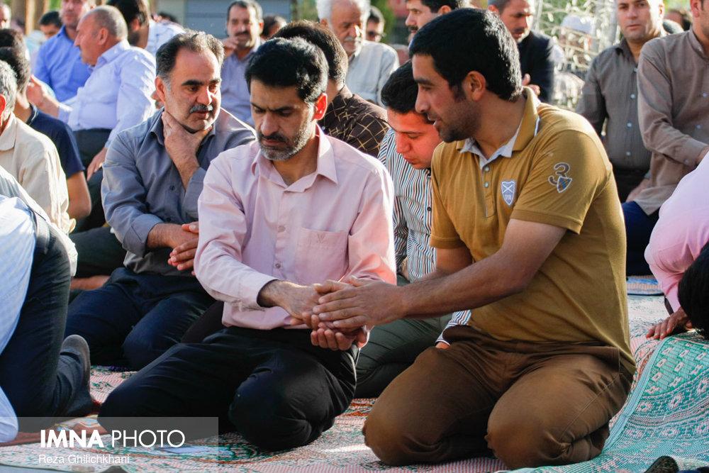 نماز عید فطر در نجف آباد نماز عید فطر نجف آباد+تصاویر نماز عید فطر نجف آباد+تصاویر                                             13
