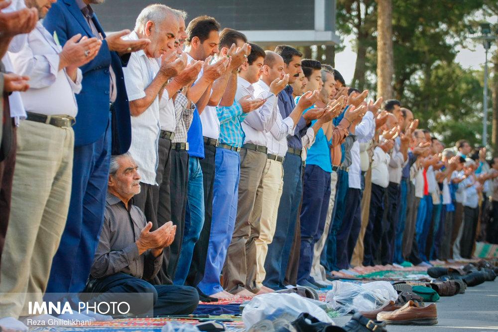 نماز عید فطر در نجف آباد نماز عید فطر نجف آباد+تصاویر نماز عید فطر نجف آباد+تصاویر                                             4