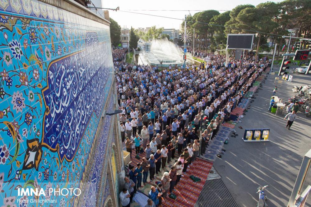 نماز عید فطر در نجف آباد نماز عید فطر نجف آباد+تصاویر نماز عید فطر نجف آباد+تصاویر                                             6