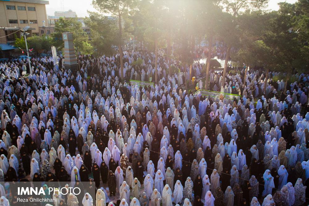 نماز عید فطر در نجف آباد نماز عید فطر نجف آباد+تصاویر نماز عید فطر نجف آباد+تصاویر                                             8