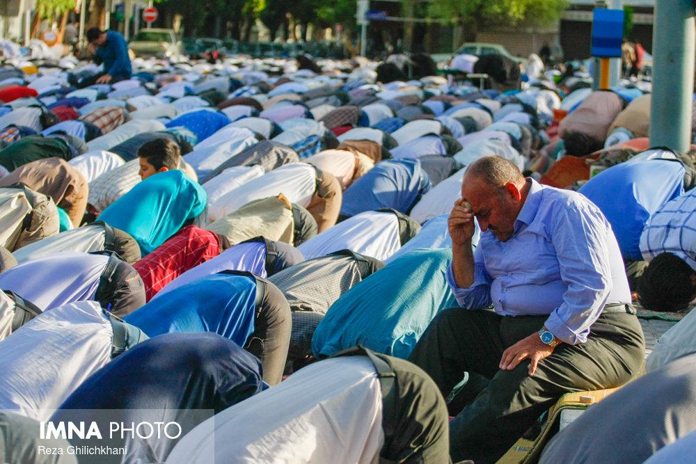 نماز عید فطر در نجف آباد نماز عید فطر نجف آباد+تصاویر نماز عید فطر نجف آباد+تصاویر                                             9