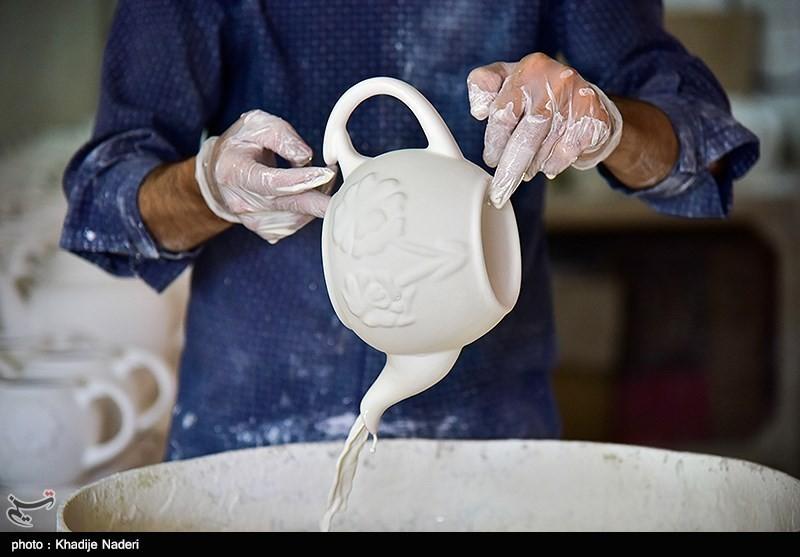 کارگاه تولید قوری در روستای علی آباد زازران کارگاه قوری سازی+تصاویر کارگاه قوری سازی+تصاویر                                                                                 13