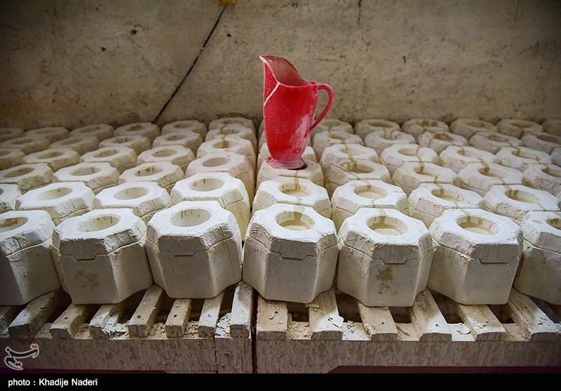 کارگاه تولید قوری در روستای علی آباد زازران کارگاه قوری سازی+تصاویر کارگاه قوری سازی+تصاویر                                                                                 17