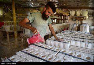 کارگاه تولید قوری در روستای علی آباد زازران کارگاه قوری سازی+تصاویر کارگاه قوری سازی+تصاویر                                                                                 19 300x209