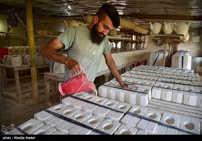 کارگاه تولید قوری در روستای علی آباد زازران کارگاه قوری سازی+تصاویر کارگاه قوری سازی+تصاویر                                                                                 19
