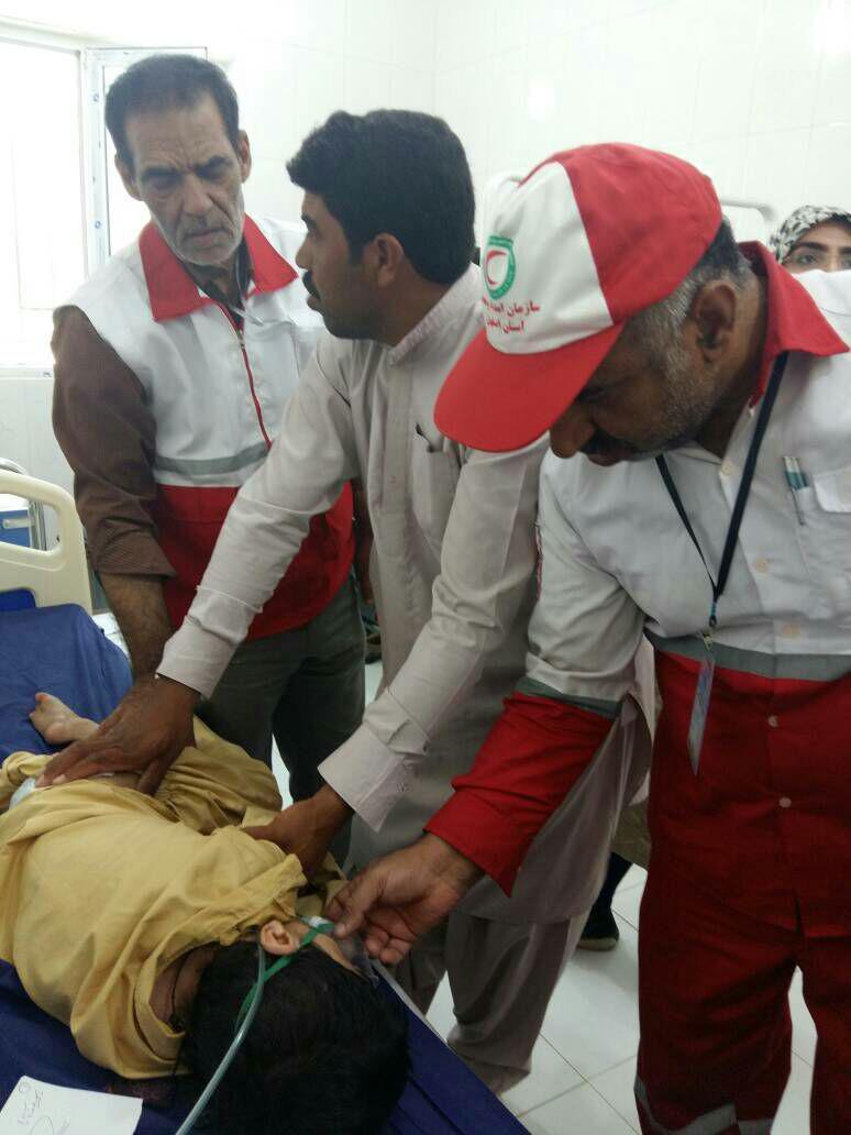 هلال احمر مردم مردم نجف آباد، 455 میلیون تومان به سیل زده ها کمک کردند                                                           1