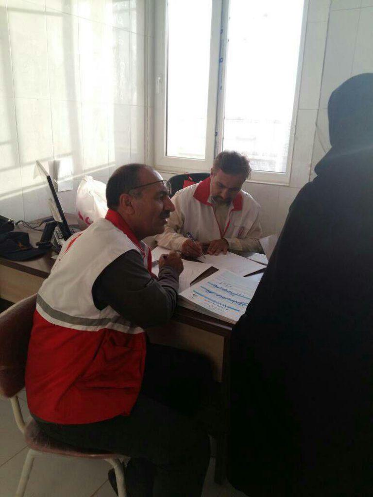 اردوی جهادی هلال احمر نجف آباد در سیستان هجرت متخصصان نجف آباد به سیستان+تصاویر هجرت متخصصان نجف آباد به سیستان+تصاویر                                                           7 768x1024