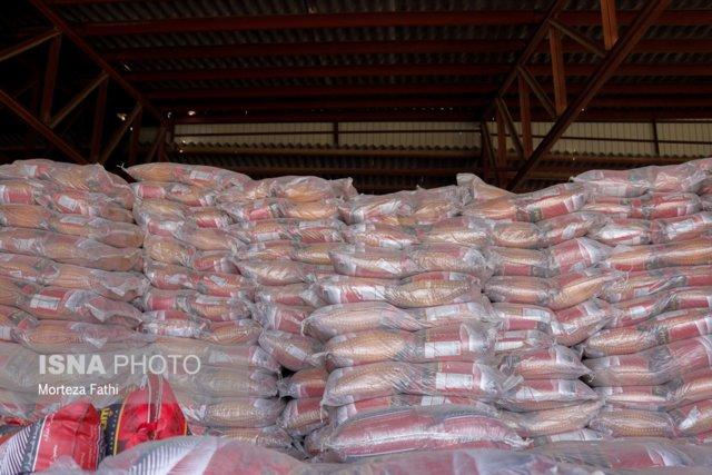 کشف ۲تن برنج احتکار شده در نجف آباد