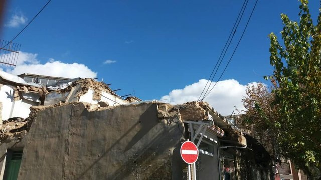 تخریب یک حسینیه در نجف آباد+تصاویر