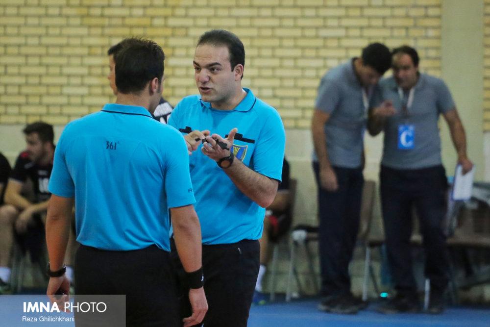 رقابت هندبال در نجف آباد+ تصاویر رقابت هندبال در نجف آباد+ تصاویر                           3