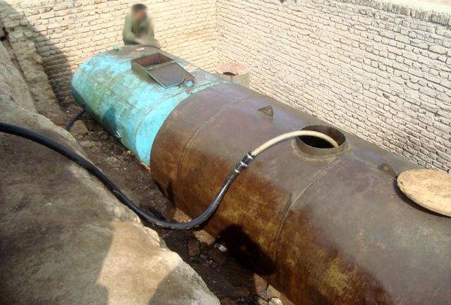 کشف و ضبط ۳۰هزار لیتر سوخت قاچاق در نجف آباد کشف و ضبط کشف و ضبط ۳۰هزار لیتر سوخت قاچاق در نجف آباد