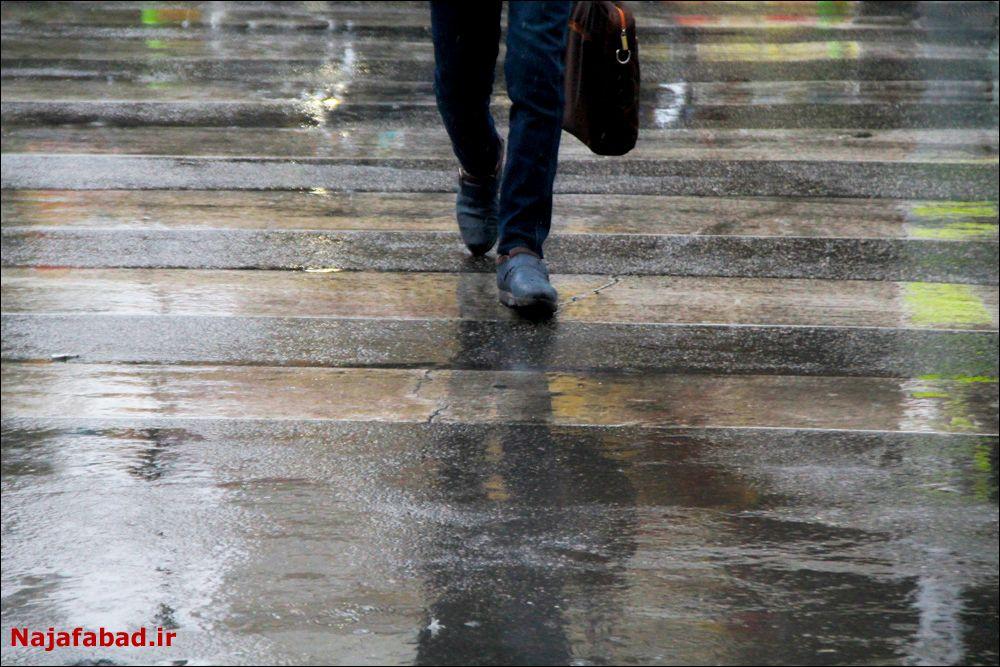 بارش باران در نجف آباد روز بارانی نجف آباد+تصاویر روز بارانی نجف آباد+تصاویر                                          12