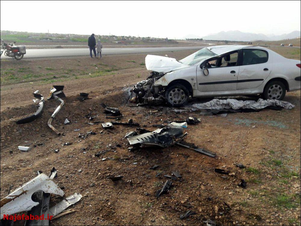 تصادف و آتش سوزی  تصادف تصادف و آتش گرفتن خودروی سواری + تصاویر                               2