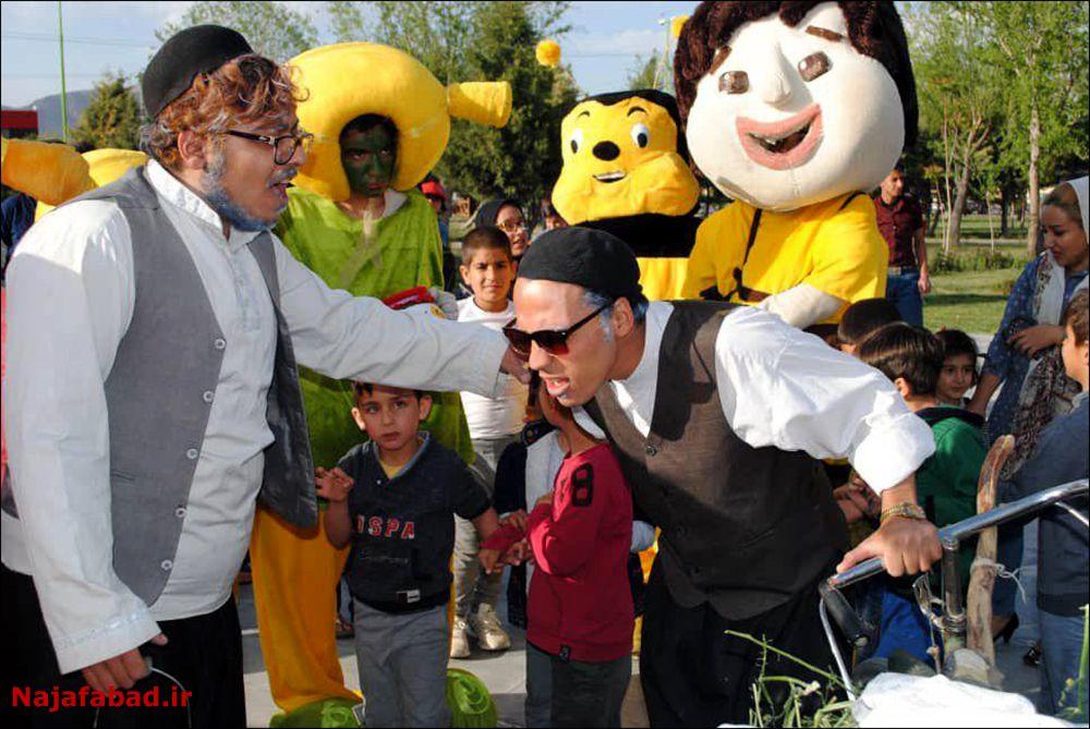 جشنواره جشنواره عسل، زعفران و بادام در نجف آباد+ تصاویر و فیلم                                               2