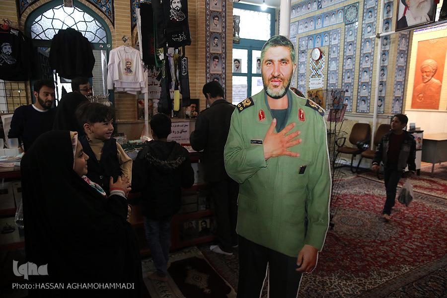 مزار شهید مزار شهید محسن حججی در نوروز98 + تصویر                                     11