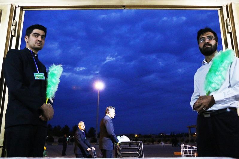 مراسم افطاری افطاری افطاری 10هزار نفری آستان قدس رضوی در نجف آباد+تصاویر              2