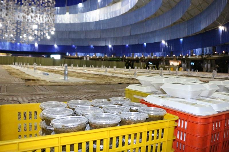 حسینیه حضرت فاطمه نجف آباد افطاری افطاری 10هزار نفری آستان قدس رضوی در نجف آباد+تصاویر              9