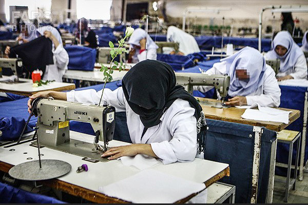 صادرات ۲۰هزار دلاری زنان سرپرست خانواده در نجف آباد+ فیلم