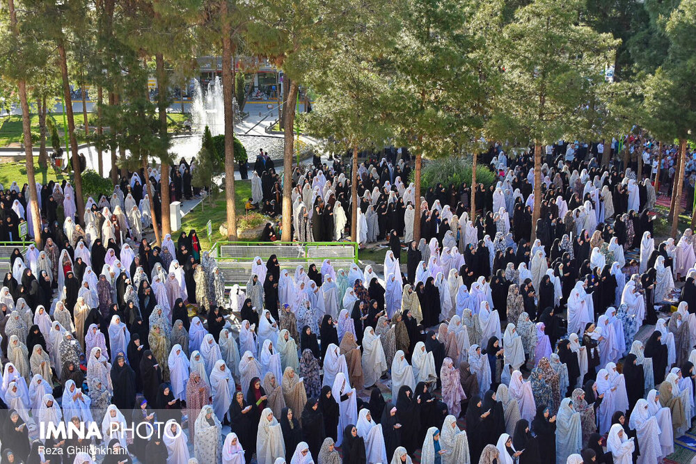 نماز عید فطر نماز عید فطر نجف آباد+تصاویر نماز عید فطر نجف آباد+تصاویر                       98                      10