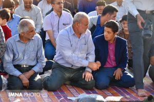 نماز عید فطر تصاویر تصاویر برگزاری نماز عید فطر در نجف آباد                       98                      8 300x200