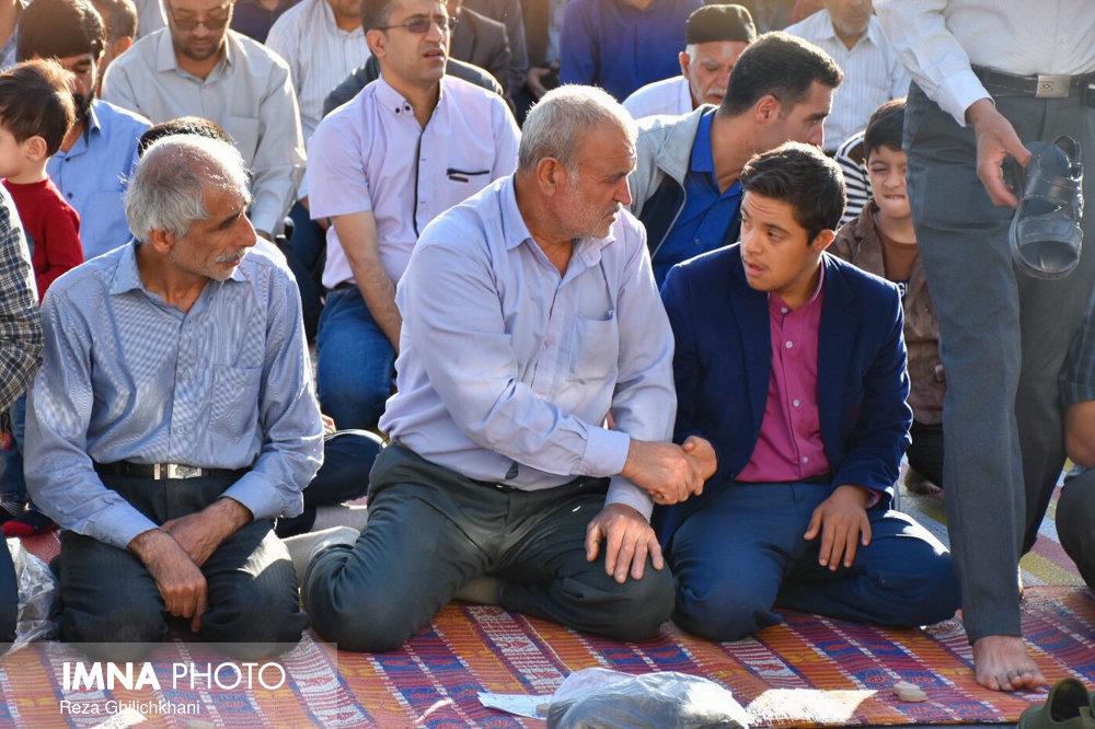 نماز عید فطر نماز عید فطر نجف آباد+تصاویر نماز عید فطر نجف آباد+تصاویر                       98                      8