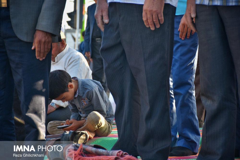 نماز عید فطر نماز عید فطر نجف آباد+تصاویر نماز عید فطر نجف آباد+تصاویر                       98                      9
