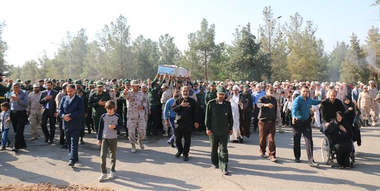 تدفین شهید گمنام در پادگان عاشورای نجف آباد + تصاویر