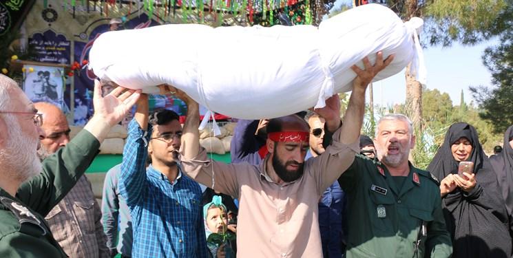 تشییع شهید گمنام تدفین تدفین شهید گمنام در پادگان عاشورای نجف آباد + تصاویر                                                               4