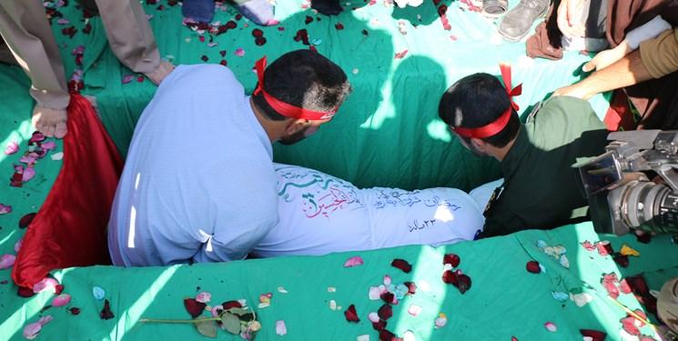 پادگان عاشورا تدفین تدفین شهید گمنام در پادگان عاشورای نجف آباد + تصاویر                                                               5
