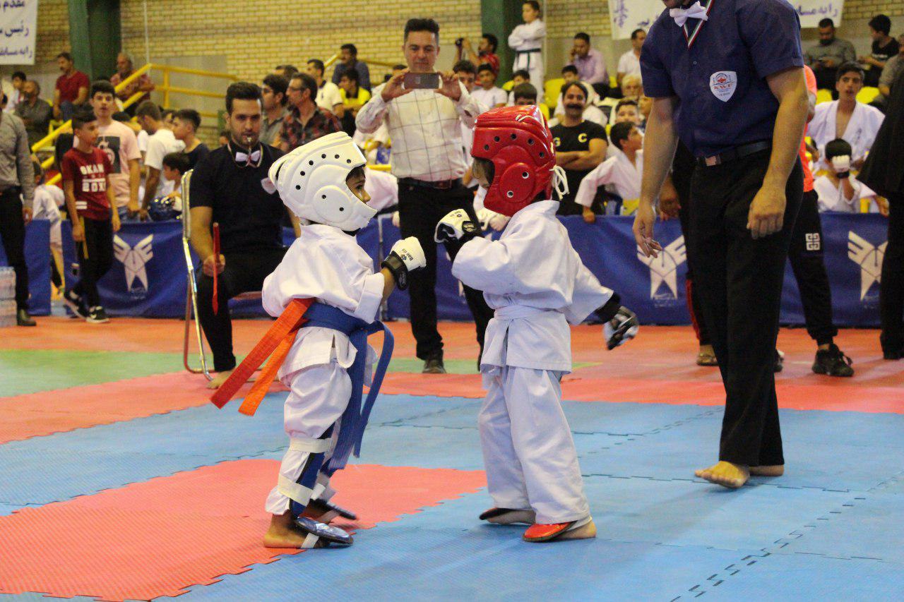 رقابت ۶۵۰ کاراته کا در مسابقات کشوری در دانشگاه آزاد + تصاویر