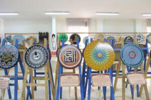 نمایشگاه آثار هنری هنرمند هنرمند گمنامی که بدون استاد هنرمند شده + تصاویر                                         15 300x200