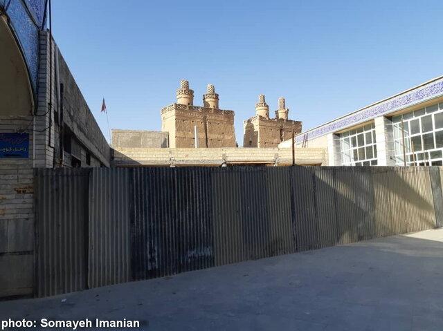 خطر تخریب بنای تاریخی ۴۰۰ ساله در نجف آباد + تصاویر