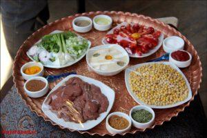 سانی ساید تیستر آمریکایی در نجف آباد شگفتی شگفتی تیستر آمریکایی از غذاهای سنتی نجف آباد + فیلم و تصاویر 1566196670 O6zP6 300x200