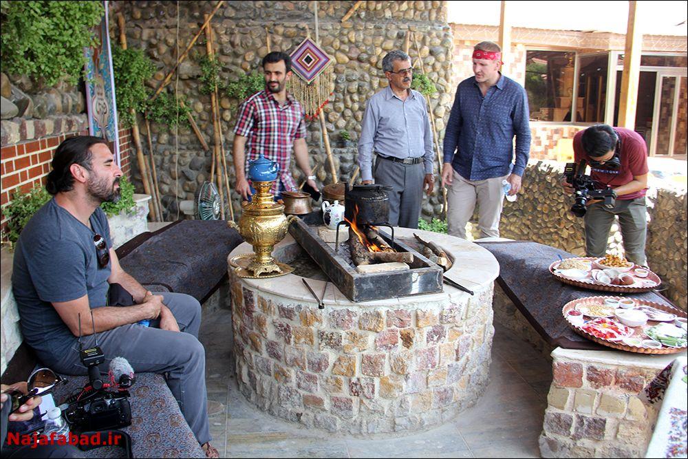 شگفتی تیستر آمریکایی از غذاهای سنتی نجف آباد + فیلم و تصاویر