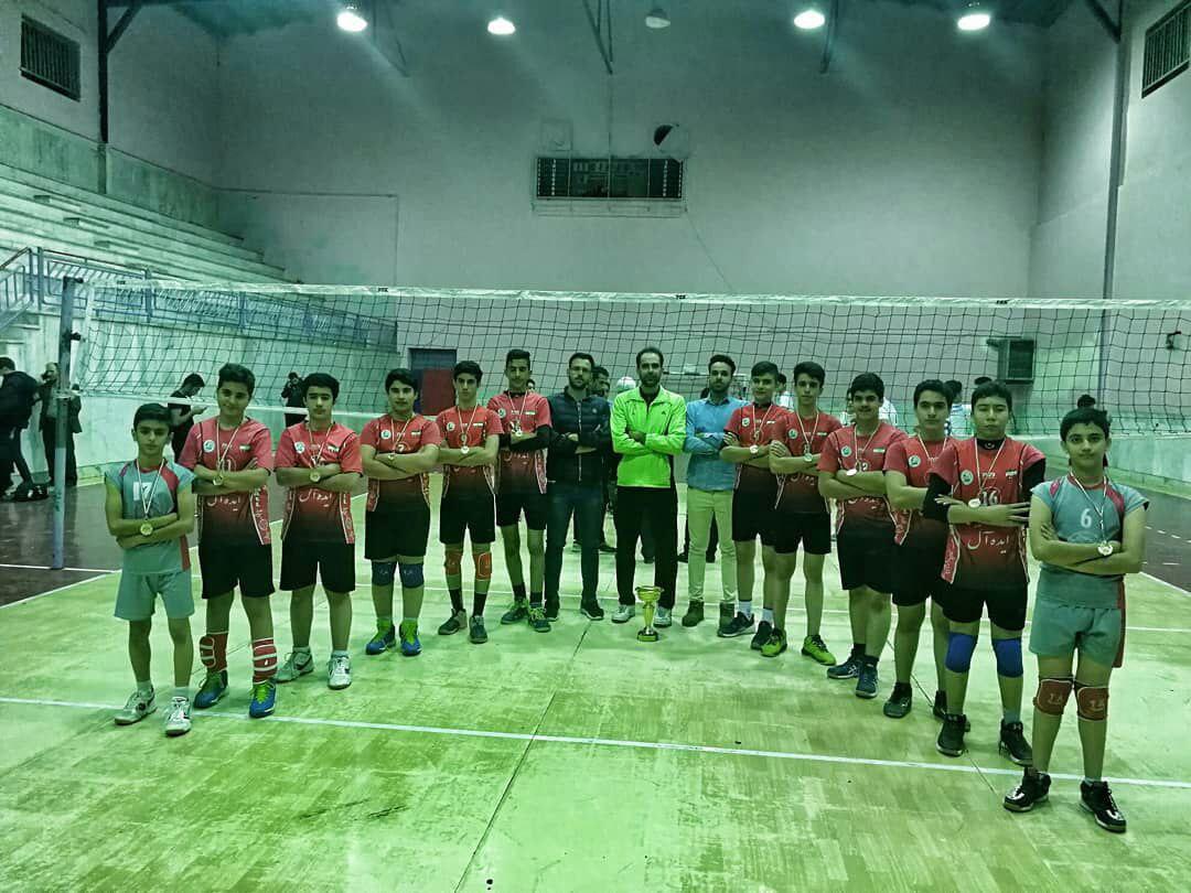 قهرمانی نجف آباد در والیبال آتیهسازان استان + تصاویر