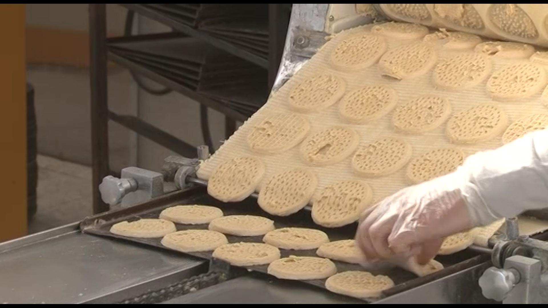 اولین کارخانه محصولات غذایی بدون گلوتن در نجف آباد + فیلم و تصاویر اولین کارخانه محصولات غذایی بدون گلوتن در نجف آباد + فیلم و تصاویر اولین کارخانه محصولات غذایی بدون گلوتن در نجف آباد + فیلم و تصاویر 4291460 643