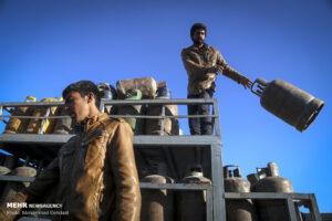 کپسول گاز وضع اسف بار توزیع گاز مایع در نجف آباد+فیلم وضع اسف بار توزیع گاز مایع در نجف آباد+فیلم                   300x200