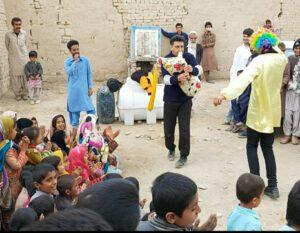 سیل زدگان سیستان و بلوچستان حضور هنرمندان نجف آباد در مناطق سیل زده سیستان+تصاویر و فیلم ها حضور هنرمندان نجف آباد در مناطق سیل زده سیستان+تصاویر و فیلم ها photo                                   300x233