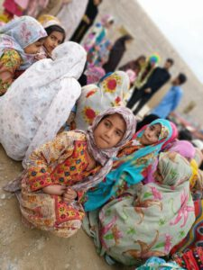سیل زدگان سیستان و بلوچستان حضور هنرمندان نجف آباد در مناطق سیل زده سیستان+تصاویر و فیلم ها حضور هنرمندان نجف آباد در مناطق سیل زده سیستان+تصاویر و فیلم ها photo                                   225x300