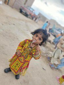 سیل زدگان سیستان و بلوچستان حضور هنرمندان نجف آباد در مناطق سیل زده سیستان+تصاویر و فیلم ها حضور هنرمندان نجف آباد در مناطق سیل زده سیستان+تصاویر و فیلم ها photo                                   2 225x300