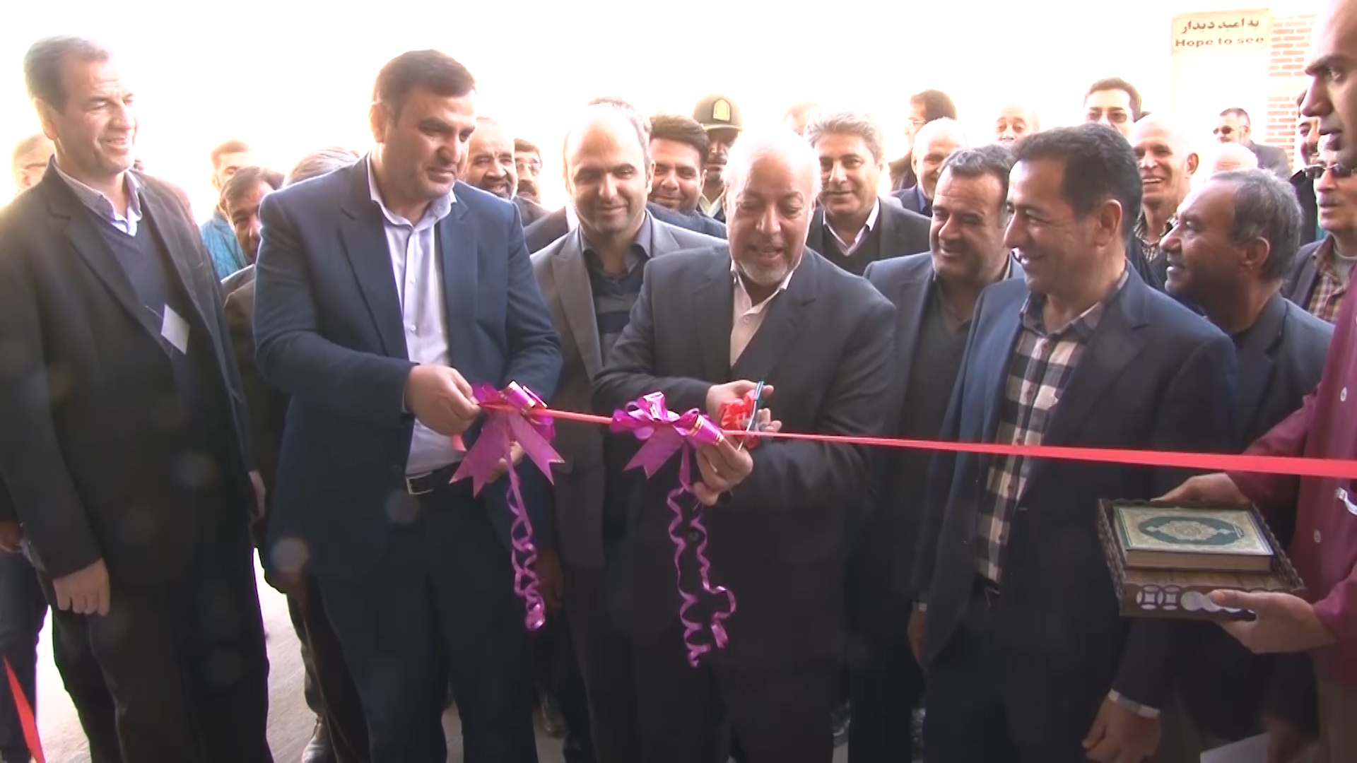 افتتاح ۱۱۰ میلیارد پروژه در نجف آباد به مناسبت دهه فجر