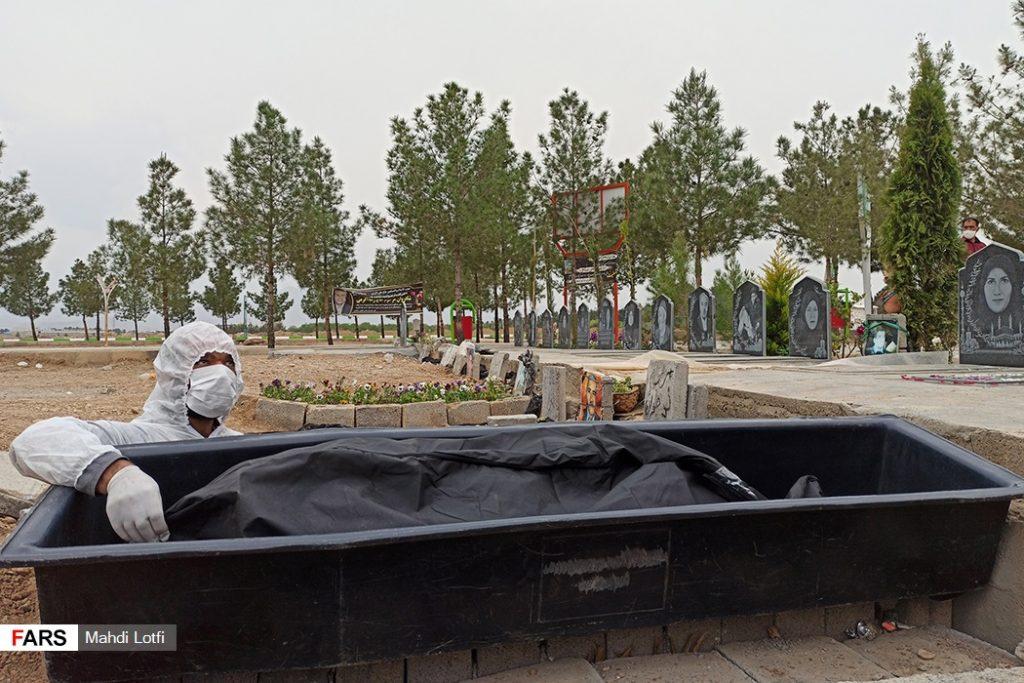 فوت تا تدفین بیمار کرونایی در نجف آباد از تخت تا قبر یک کرونایی در نجف آباد+تصاویر از تخت تا قبر یک کرونایی در نجف آباد+تصاویر                                                                       16 1024x683