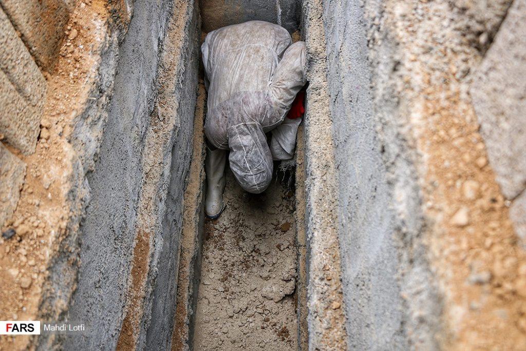 فوت تا تدفین بیمار کرونایی در نجف آباد از تخت تا قبر یک کرونایی در نجف آباد+تصاویر از تخت تا قبر یک کرونایی در نجف آباد+تصاویر                                                                       5 1024x683