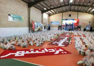 کمک مومنانه در یزدانشهر تهیه و توزیع ۴۵۰ بسته حمایت غذایی در یزدانشهر تهیه و توزیع ۴۵۰ بسته حمایت غذایی در یزدانشهر                 2 300x212