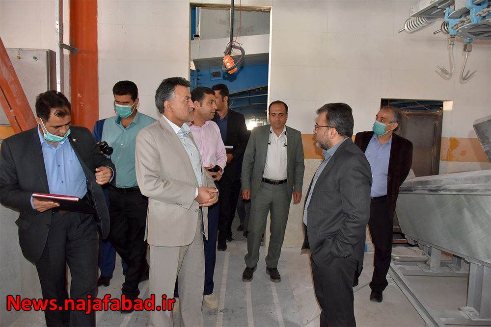 بازدید از کشتارگاه صنعتی نجف آباد کشتارگاه نجفآباد، آبروی کشور و قطب صادرات خواهد شد کشتارگاه نجفآباد، آبروی کشور و قطب صادرات خواهد شد 1589082122 C5jM2