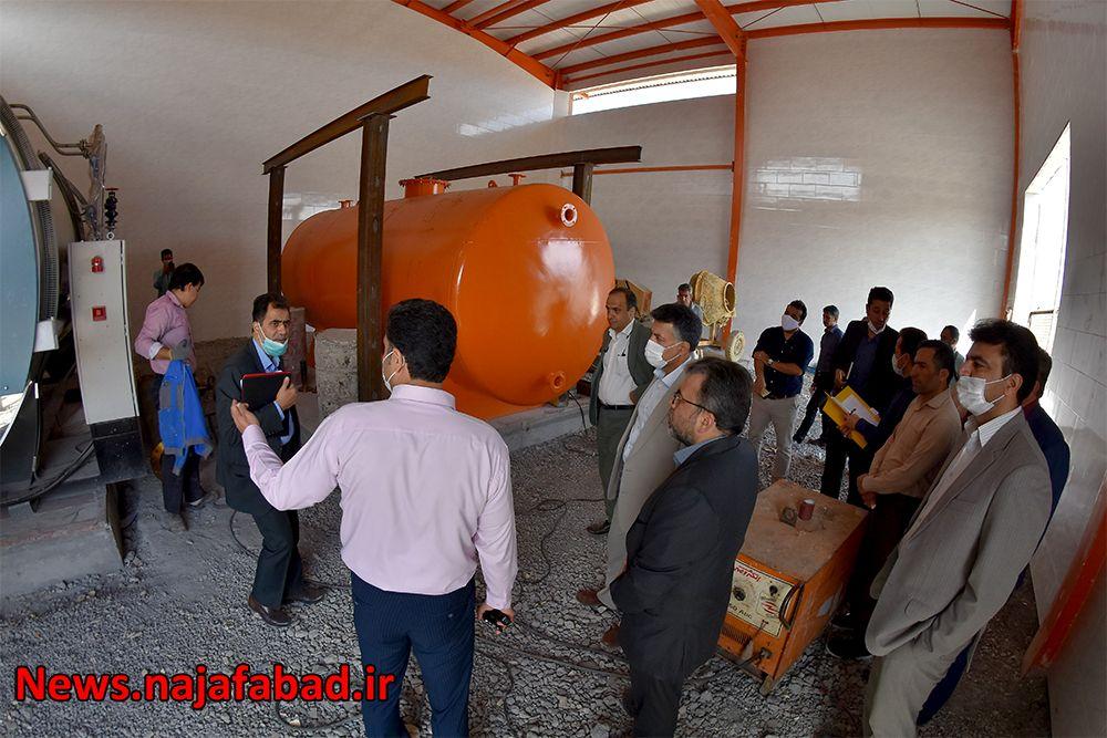 بازدید از کشتارگاه صنعتی نجف آباد کشتارگاه نجفآباد، آبروی کشور و قطب صادرات خواهد شد کشتارگاه نجفآباد، آبروی کشور و قطب صادرات خواهد شد 1589082152 C6kJ3