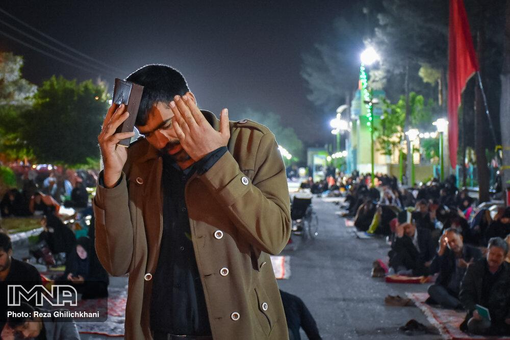 احیاء 21 رمضان سال99 در گلزار شهدای نجف آباد احیاء ۲۱ رمضان سال ۹۹ در نجف آباد+تصاویر احیاء ۲۱ رمضان سال ۹۹ در نجف آباد+تصاویر 1636910 IMG 6054