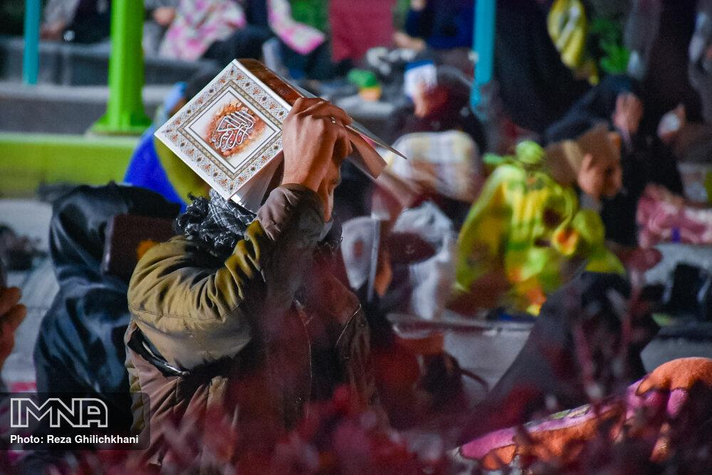 احیاء 21 رمضان سال99 در گلزار شهدای نجف آباد احیاء ۲۱ رمضان سال ۹۹ در نجف آباد+تصاویر احیاء ۲۱ رمضان سال ۹۹ در نجف آباد+تصاویر 1636913 IMG 6054