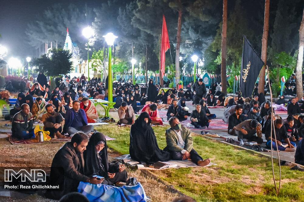 احیاء 21 رمضان سال99 در گلزار شهدای نجف آباد احیاء ۲۱ رمضان سال ۹۹ در نجف آباد+تصاویر احیاء ۲۱ رمضان سال ۹۹ در نجف آباد+تصاویر 1636915 IMG 6054