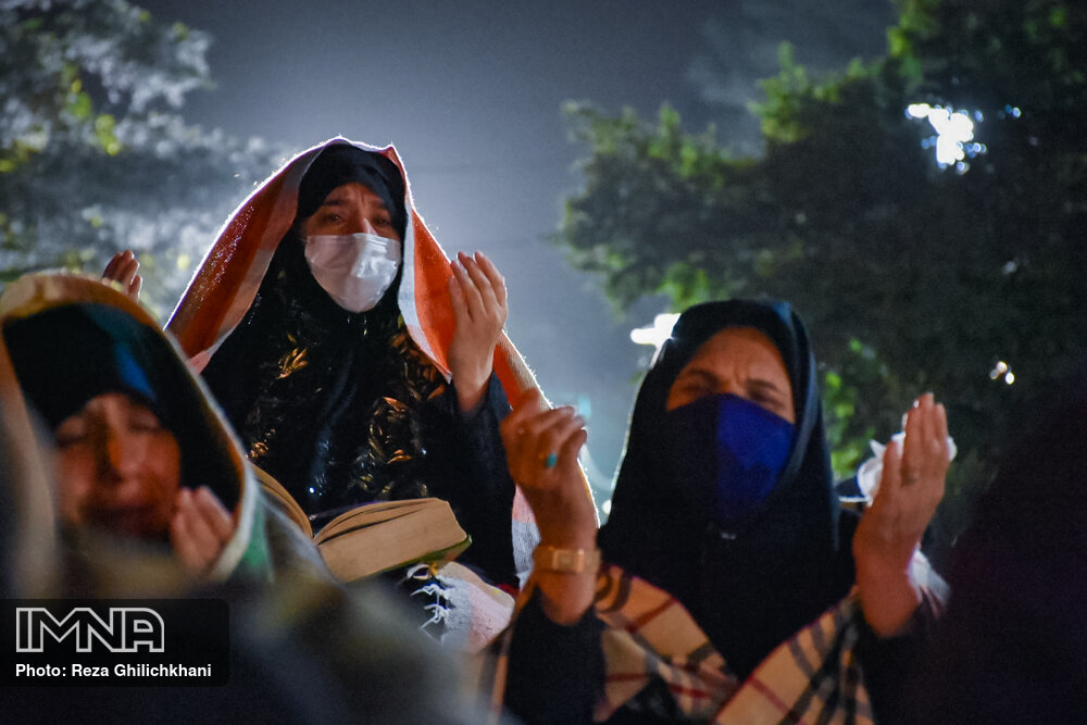 احیاء 21 رمضان سال99 در گلزار شهدای نجف آباد احیاء ۲۱ رمضان سال ۹۹ در نجف آباد+تصاویر احیاء ۲۱ رمضان سال ۹۹ در نجف آباد+تصاویر 1636917 IMG 6067